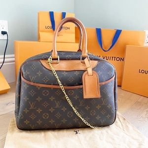 ✨DEAUVILLE✨ Authentic Louis Vuitton Satchel